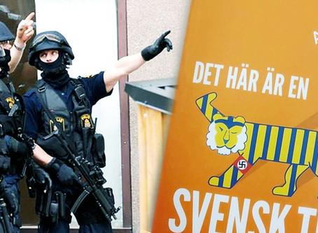 """Beväpnad polis beslagtar boken """"Det här är en svensk tiger"""""""