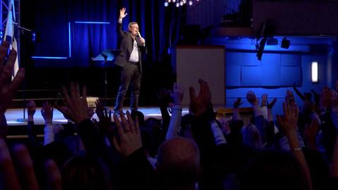 Live-Meeting-Prayer.jpg