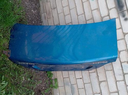 Крышка багажника Дэу Нексия Н150  J3351001