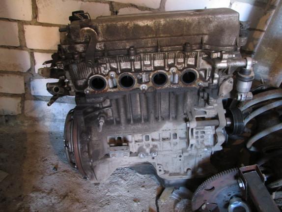 авенсис двигателб 1,8 1ZZFE.JPG