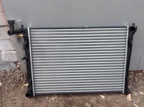 Радиатор охлаждения Кия Сид, Элантра, Ай 30   253101H050