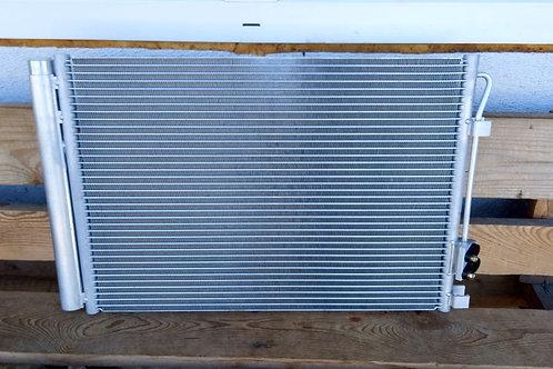 Радиатор кондиционера 976061R000 Хендай Солярис 1