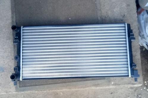 Радиатор охлаждения Фольксваген Поло 6R0121253