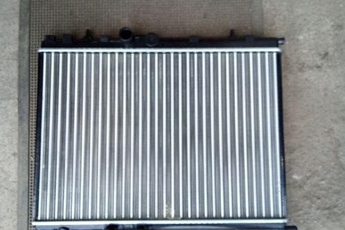 Радиатор охлаждения 1330H6 Пежо 206