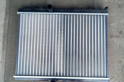Радиатор охлаждения 1330S8 Пежо 308