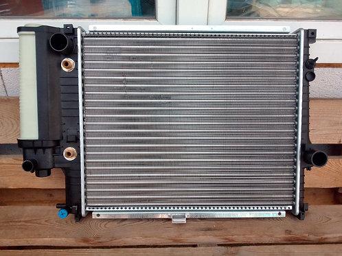 Радиатор охлаждения бмв Е39 17111740699