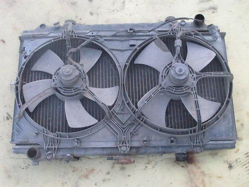 Радиатор охлаждения Ниссан Максима j30  2141085E00, 2148185E00