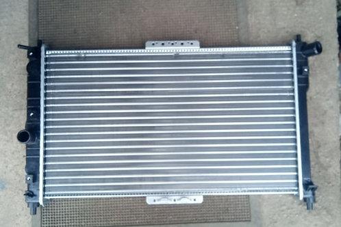 Радиатор охлаждения 96182261 Шевроле Ланос