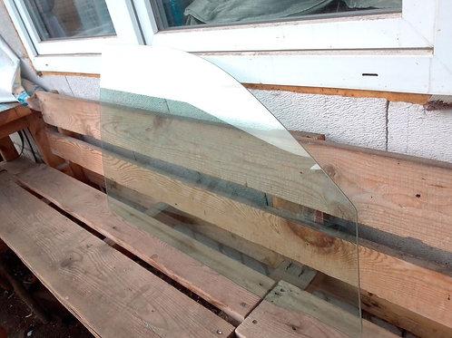 Стекло передней правой двери Тойота Фортунер Хайлюкс  681010K272