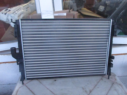 Радиатор охлаждения Ниссан Альмера G15 214104AA0A