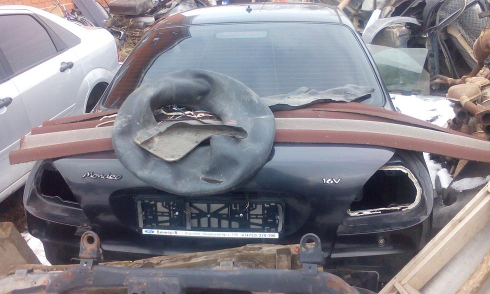 мондео 2 седан чёрный.jpg