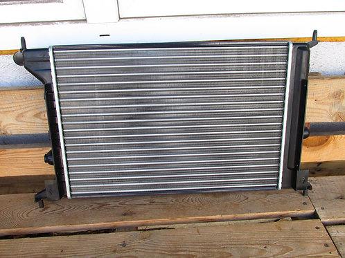 Радиатор охлаждения  Опель Вектра В 1300223
