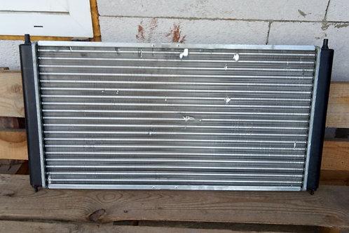 Радиатор охлаждения 8200735038 Рено Логан, Ларгус