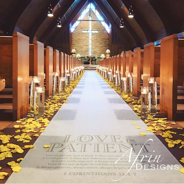 How breathtaking is this aisle_! 😍Not bad, for our first church ceremony, if I do say so myself