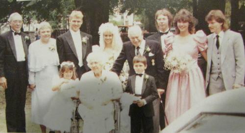 Top row from left to right: Ken, Marilyn, Paul, Karla, Gerald Eastman (Marilyn's adoptive father), Davide Bernardo, Debbie, and her husband David Yando. Bottom row: Samantha Yando, Elizabeth Eastman (Marilyn's adoptive mother), and David Yando Jr.