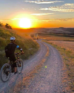 Bike%20Tour%20della%20Toscana_edited.jpg
