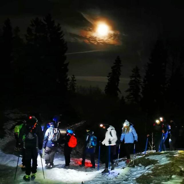 Escursioni Notturne Neve Luna Piena.jpg