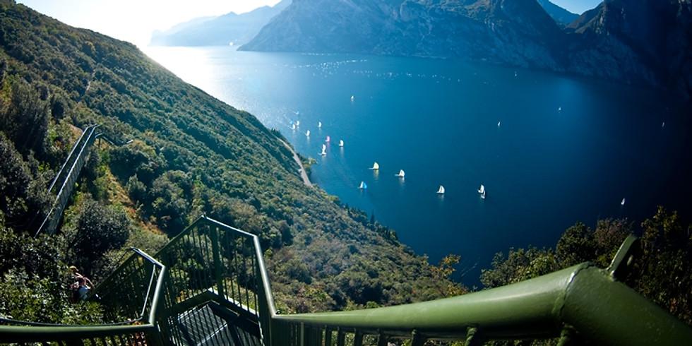 Sentiero Busatte Tempesta sul Lago di Garda