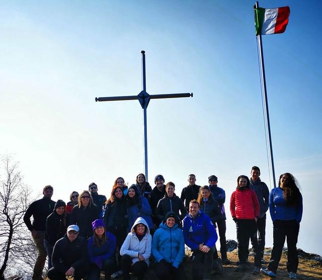In Vetta Escursioni Gruppo Conquista.jpg