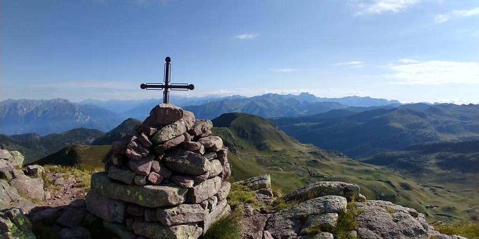 Monte Crestoso ed Eremo di San Glisente dal Dasdana (Maniva)