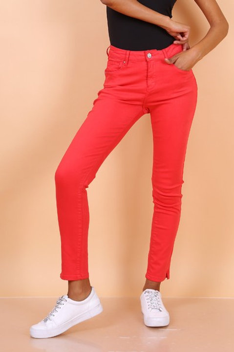RED TROUSERS - PANTALON ROUGE