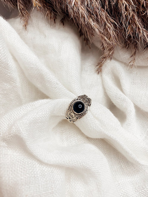 Pierdae ll Black Ring