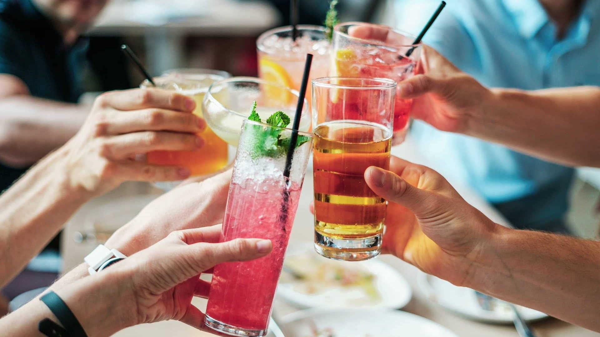 drinks-2578446_1920 (1) (1).jpg