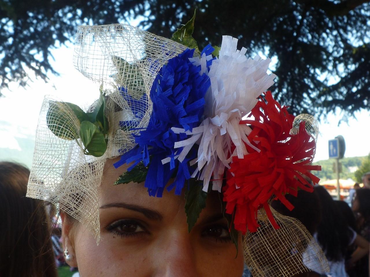faiseurs_de_rêves_Annecy__Atelier_création_expo_défilé_chapeaux_rigolos_(6)