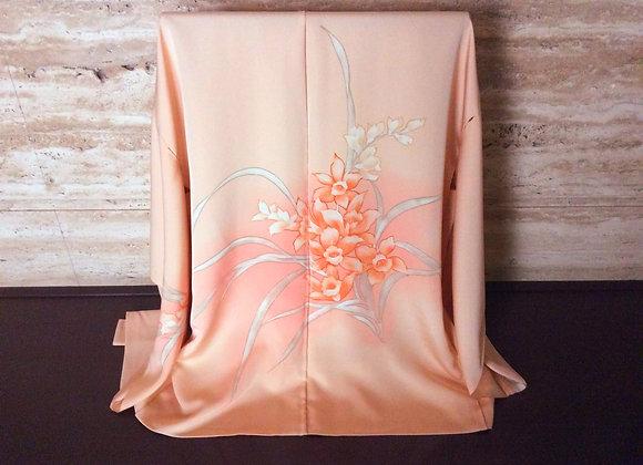 オレンジベージュ地に蘭 絵羽織