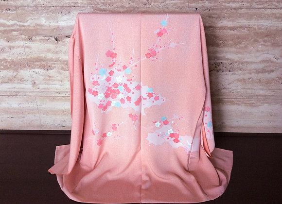 ピンクたたき地に紅梅 絵羽コート
