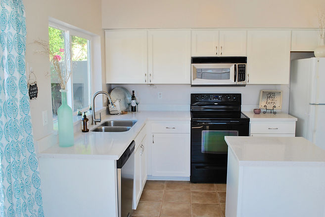 Int Kitchen 1.jpg