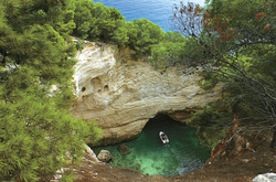 vista dall'alto grotte marine Vieste