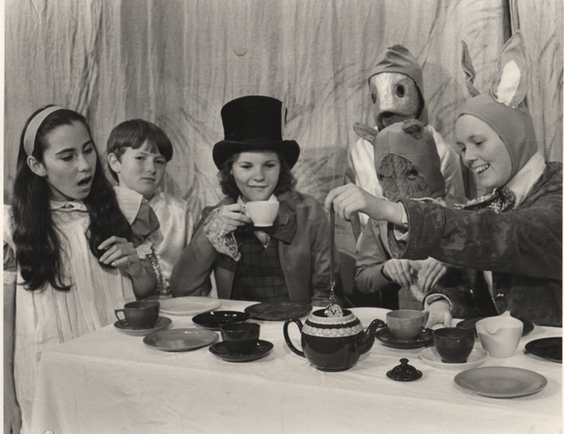 Alice in Wonderland 1978 4.png