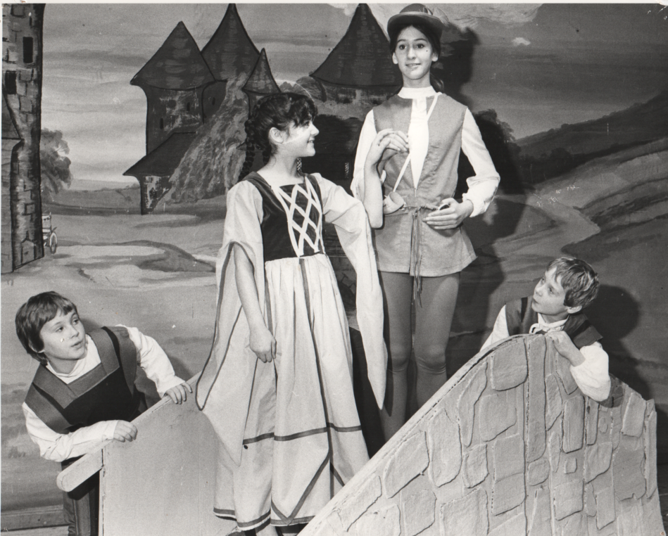 Babes in Wood 1983 3.png