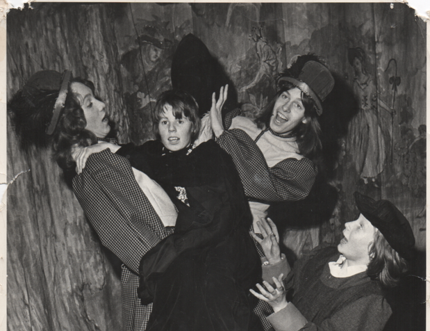 Babes in the Wood 1973 6.png