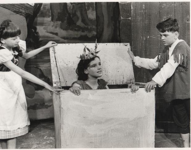 Hansel & Gretel 1968 3.png
