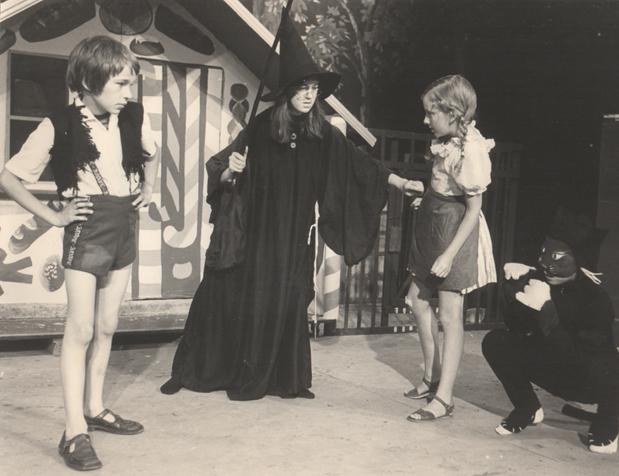 Hansel & Gretel 1976 8.png