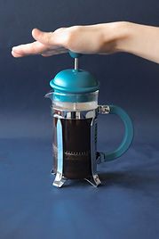 How to prepare coffee with french press step 3