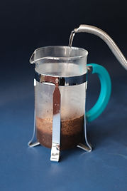 How to prepare coffee with french press step 2