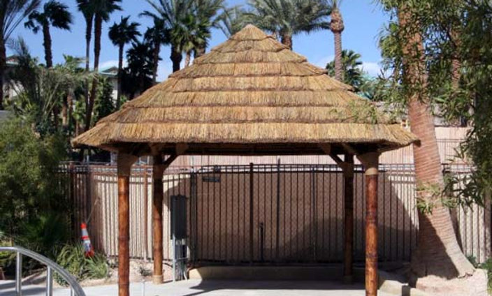 10' SQUAREHUT IN AFRICAN REED THATCH – FIJI STYLE