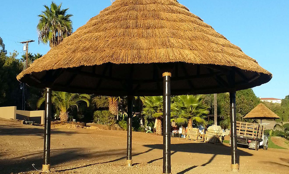 12' ROUND HUT IN AFRICAN REED THATCH – FIJI STYLE