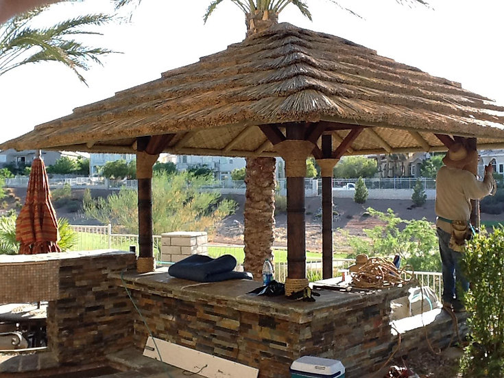 16' AFRICAN THATCH SQUARE HUT