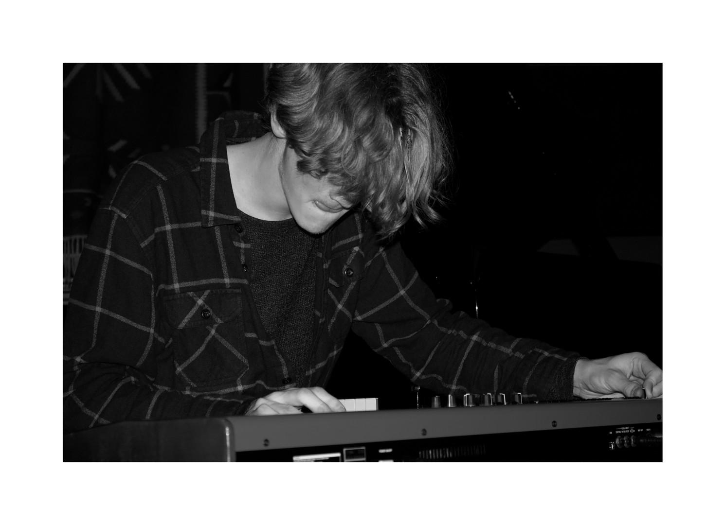 pianolitlit.jpg