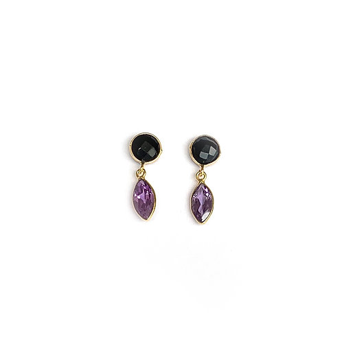 Stud earrings, gold filled with an onyx and an alexandrite