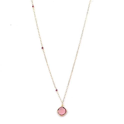 collier long chaine doublée or avec pendentif en morganite et grenats