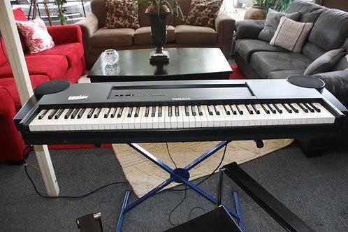 Yamaha Keyboard PF1500