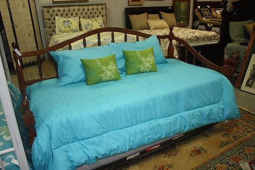 Wood Daybed with Trundle & 2 Mattresses