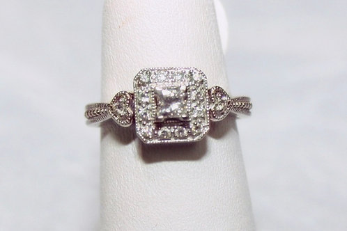14kt White Gold .25ct Diamond Heart Accent Ring