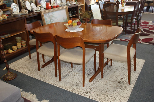 1960's Skovby Table & Niels-Moller Chairs #71