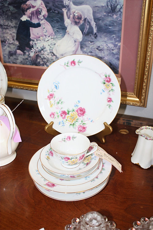 Noritake China 12pc Place Setting